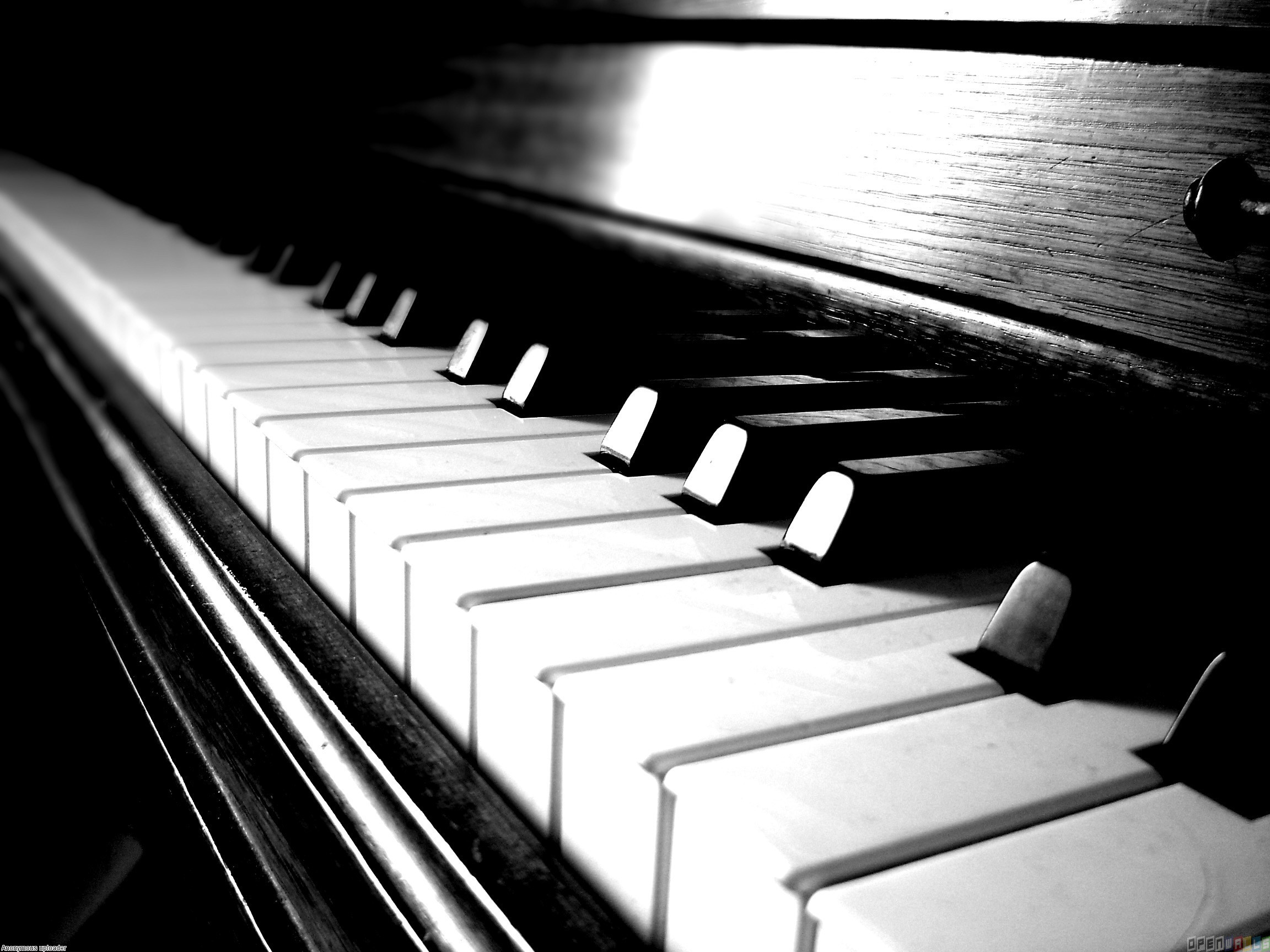 classical_piano_2304x1728